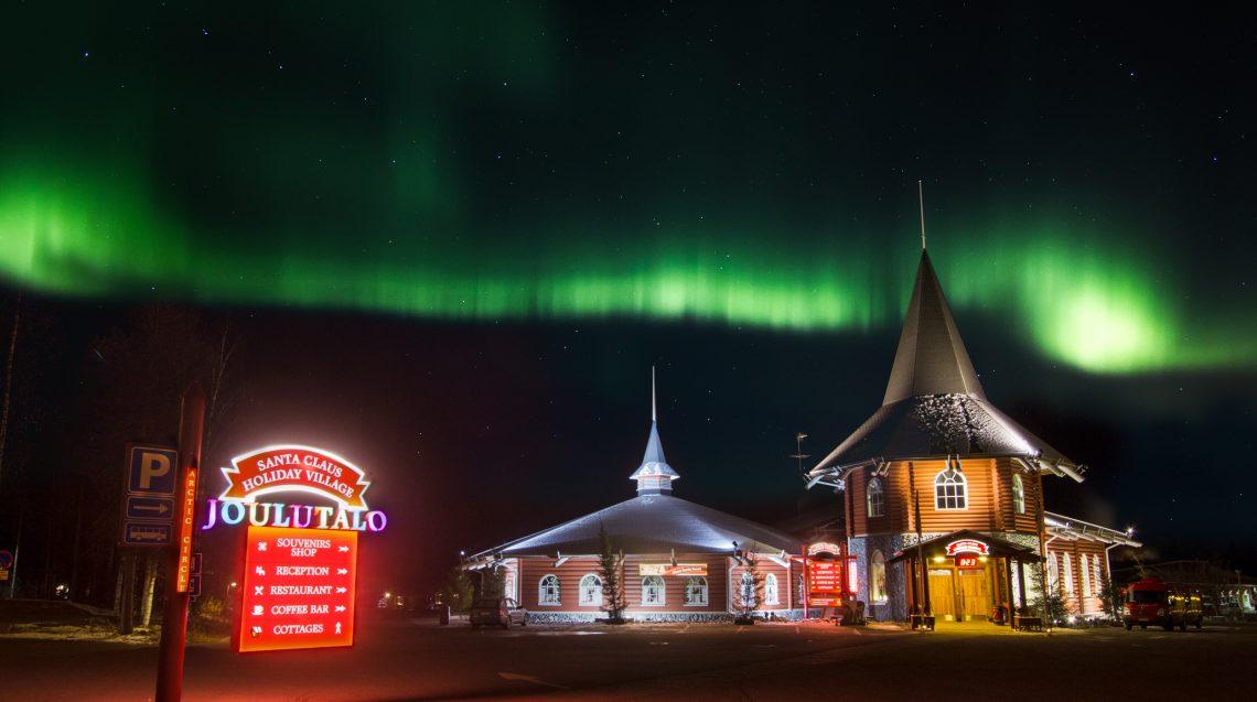 Rovaniemi Finlandia Villaggio Di Babbo Natale.Babbo Natale Ufficiale Del Circolo Polare Artico Rovaniemi Lapponia Finlandia