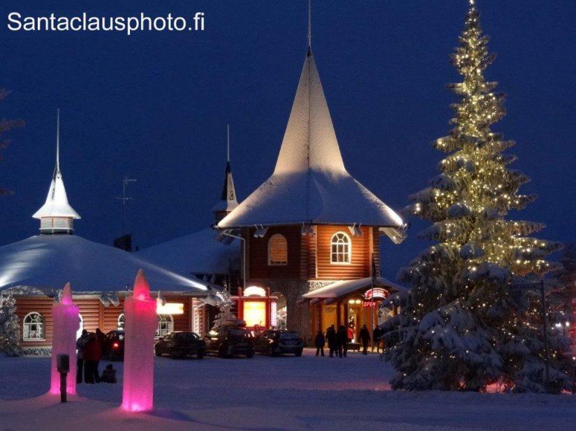 Villaggio Di Babbo Natale In Lapponia.La Christmas House Casa Di Natale Nel Villaggio Di Babbo